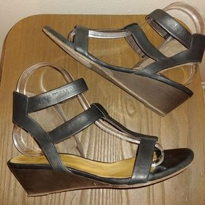 Women's Coclico Leather Low Wedge Sandal 36.5